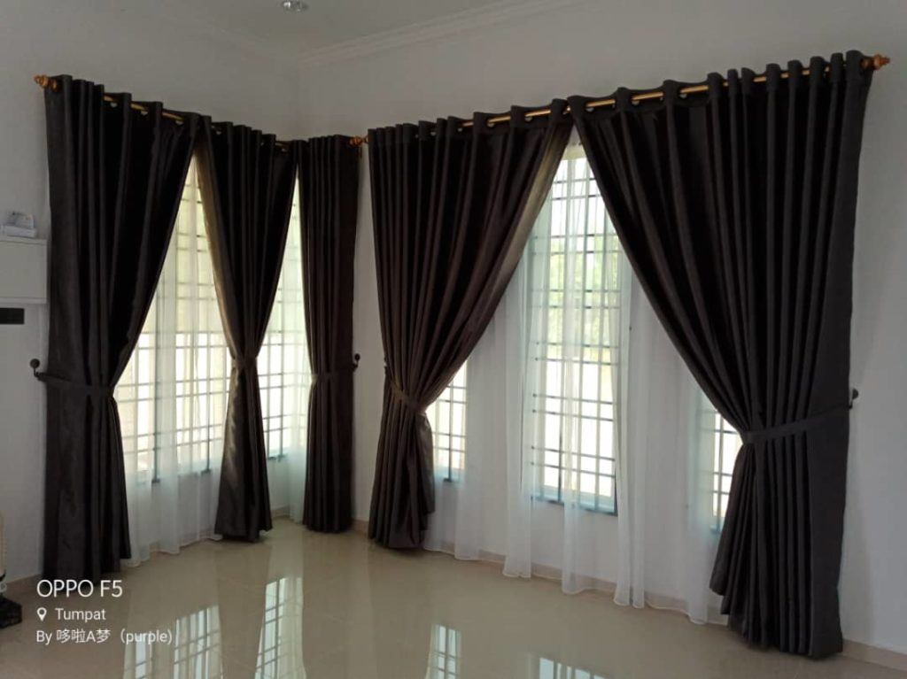 Modern-pattern-curtains-are-in-dark-gold-color