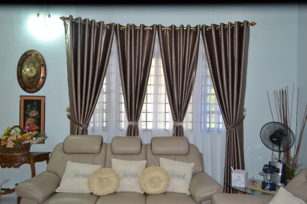 brown-curtains-on-living-room